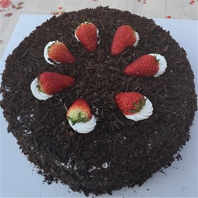 说明:手工制作,指定日期,专人同城送货 [材质说明]:圆形黑森林蛋糕,顶